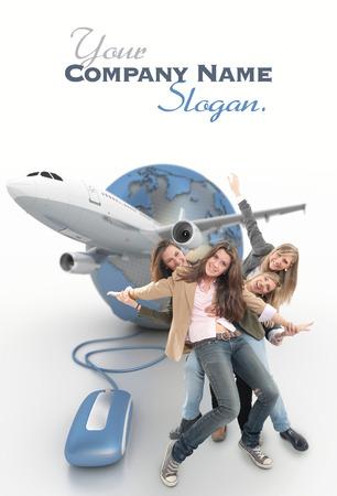 Eine Gruppe von Mädchen glücklich auf einer Online-Gruppe organisiert Urlaub Standard-Bild