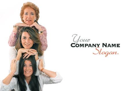 donna innamorata: Le donne di tre generazioni della stessa famiglia con un sacco di spazio copia