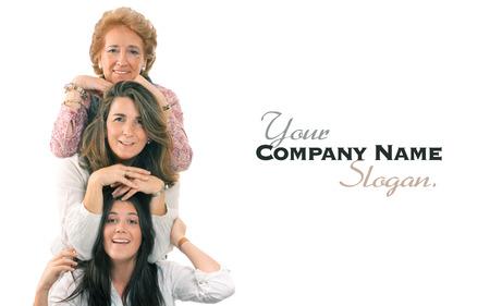 Vrouwen van drie generaties van dezelfde familie met veel kopie ruimte