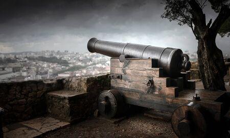 Alte Kanone zur Verteidigung der Stadt Lissabon