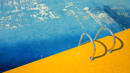 3D rendering of an empty swimming pool with peeling bottom