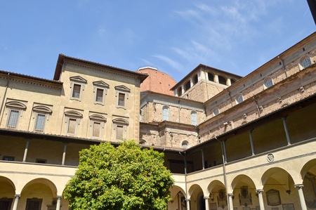 lawrence: Hidden corners of Florence - The cloister of St Lawrence - Tuscany - Italy