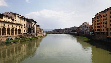 river arno: River Arno in Florence
