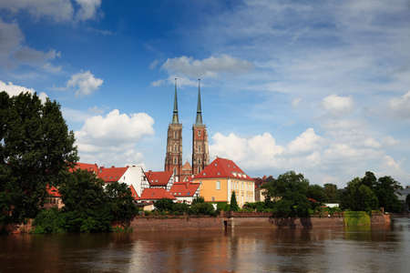 Wroclav, Katedra Cathedral seen from river Oder  Stock Photo