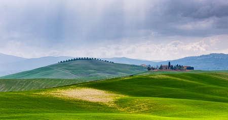 Valle de Orcia, es uno de los lugares más atractivos en Toscana.