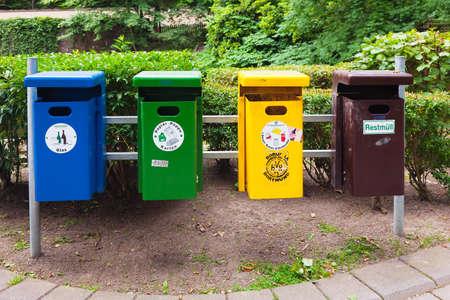 Recycling litter bins Standard-Bild