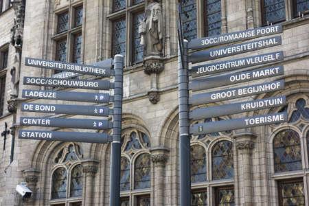 leuven: Touristic street signs in Leuven, Flanders, Belgium