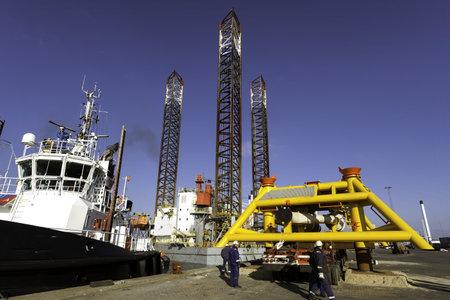 Offshore drilling rig in Esbjerg harbor, Denmark Stock Photo - 18114372
