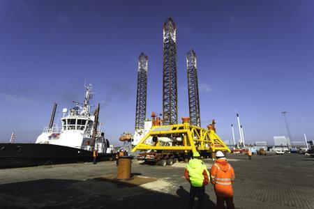 Offshore drilling rig in Esbjerg harbor, Denmark Stock Photo - 18114371
