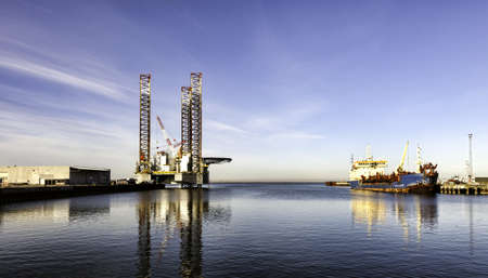 drilling well: Offshore drilling rig in Esbjerg harbor, Denmark