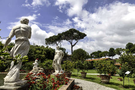 lucca: Palazzo Pfanner gardens in Lucca, Tuscany