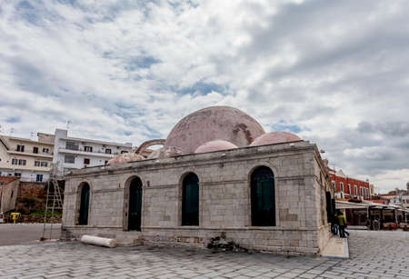kreta: The Yiali Tzami Mosque at the harbor in Chania