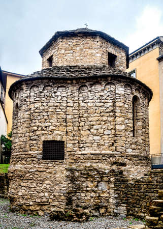 Tempietto di Santa Croce in old Bergame, Italie Lonmbardia photo