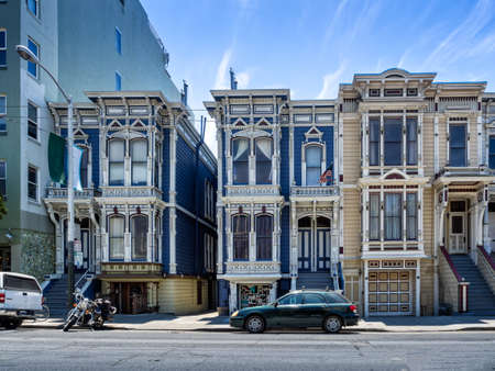 Painted Ladies victorian houses in San Francisco, USA Редакционное