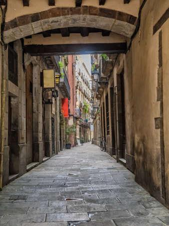 gotico: Peque�a calle en Barcelona Barrio G�tico, Espa�a