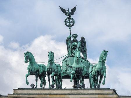 brandenburger tor: Brandenburger Tor (Brandenburg Gate), famous landmark in Berlin, Germany