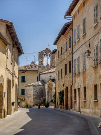 orcia: Small streets in San Quirico dOrcia in Tuscany, Italy