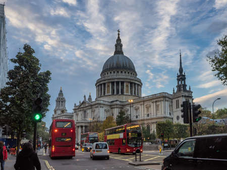 st pauls: St Pauls Cathedral in London UK