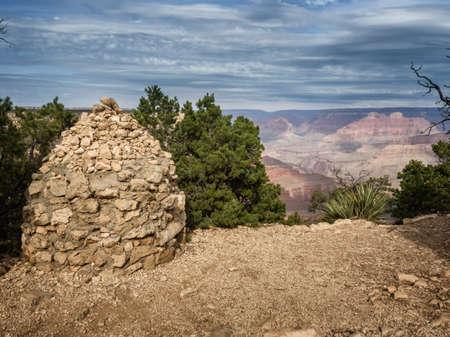 enebro: Gran Cañón Hermits Rest, Arizona, EE.UU. Foto de archivo
