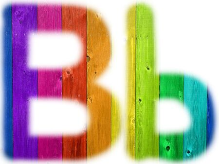 De letter B met een houten regenboog achtergrond
