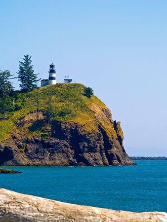 岬の失望アメリカ ワシントン州のフォート キャンビー州立公園での灯台 写真素材