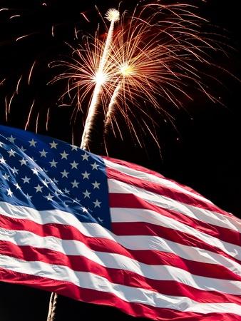 De Amerikaanse vlag en vuur werk van dag van de onafhankelijkheid