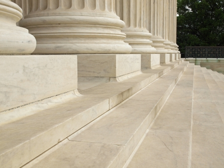 constitucion: Pasos y columnas a la entrada de la Corte Suprema de Estados Unidos en Washington D.C.