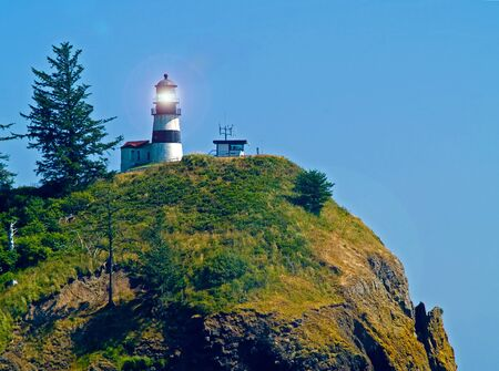 岬の失望フォート キャンビー州立公園ライトが付いているワシントン州米国の灯台