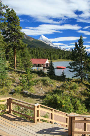 At the Maligne Lake at the Jasper National Park in Canada Stock Photo - 16409039