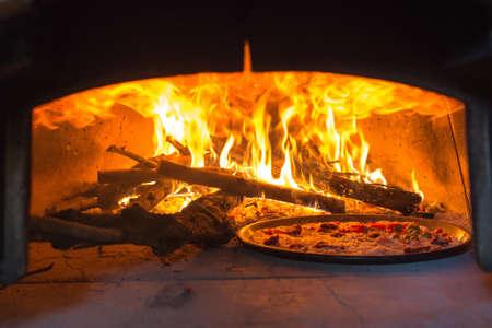 pizza oven Standard-Bild