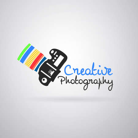 Logo colorful camera photography: Camera reflex color, pointing up. Vector image Foto de archivo - 100547216