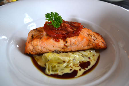 pan fried: salmone in padella