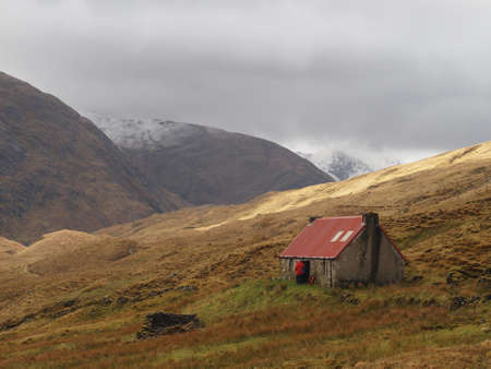 Camban mountain bothy, Gleann Fionn, Scotland in may.
