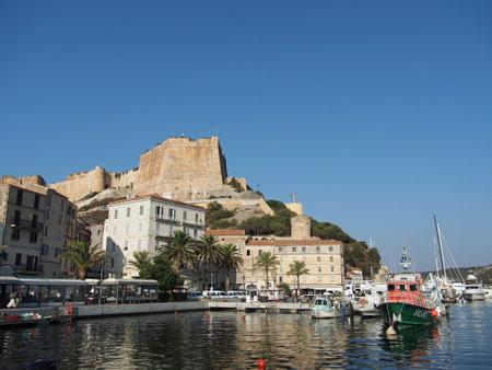 Bonifacio, agosto de 2012, vista da fortifica��o genovese da marina Editorial