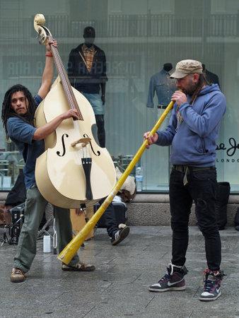 Barcelona april 2012, street musicians