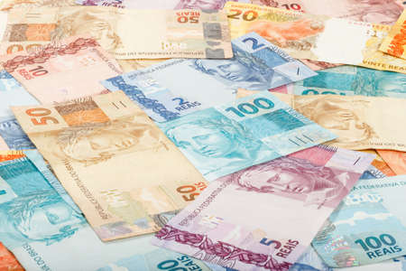 real world: Brazilian money  A lot of new real notes
