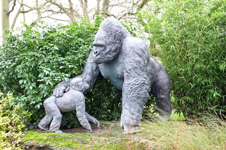 Bronze Gorilla silver back and baby Stock Photo - 17264157