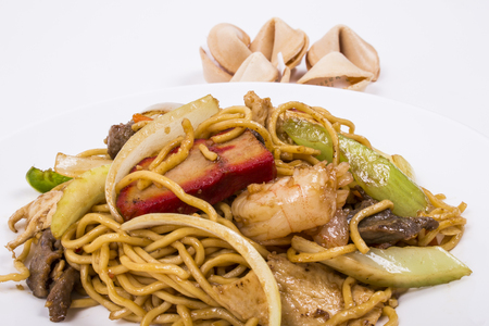 mee pok: Picture of Chinese Chicken Lo Mein, for uses in restaurants projects