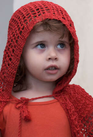 little girl in red riding hood outfit Zdjęcie Seryjne