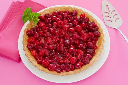 whole raspberry tart Zdjęcie Seryjne - 106696519