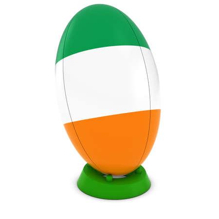 rugby ball: Rugby de Irlanda - bandera irlandesa en pie Pelota de rugby