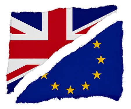 bandera uk: Brexit - Reino Unido y la bandera de papel rasgado de la UE Frases aisladas sobre fondo blanco Foto de archivo