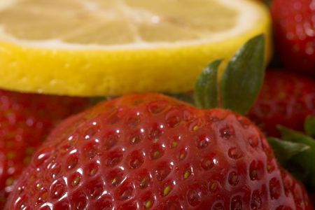 strawberry and lemon macro photo