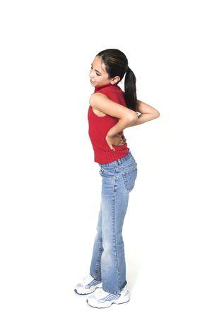 白で背中の痛みを持つ少女