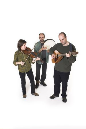 laque: band playing celtic music over white background