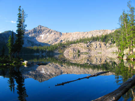Edna Lake in the Sawtooth Wilderness in Idaho Stock Photo - 9424245
