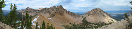 sawtooth national forest: Sawtooth Mountains in the Sawtooth Wilderness in Idaho