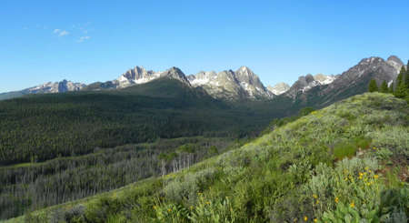 sawtooth national forest: Sawtooth Mountains in Idaho