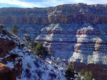 south kaibab trail: Snow along upper South Kaibab Trail in Grand Canyon, Arizona Stock Photo