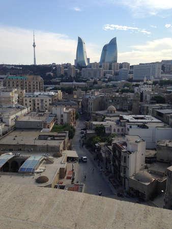 Flame Towers uit de Maiden Tower in Bakoe, Azerbeidzjan Redactioneel